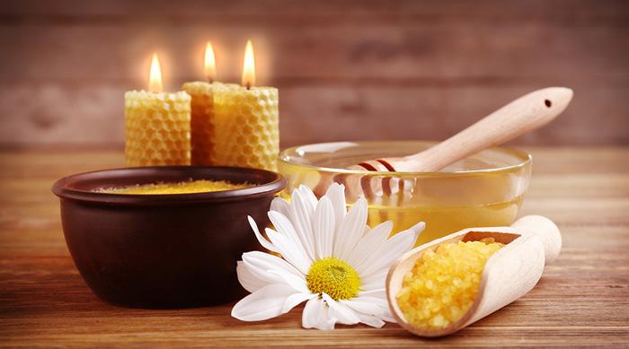 Basische Salz-Honig-Öl-Massage